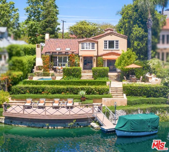 The home on Toluca Lake