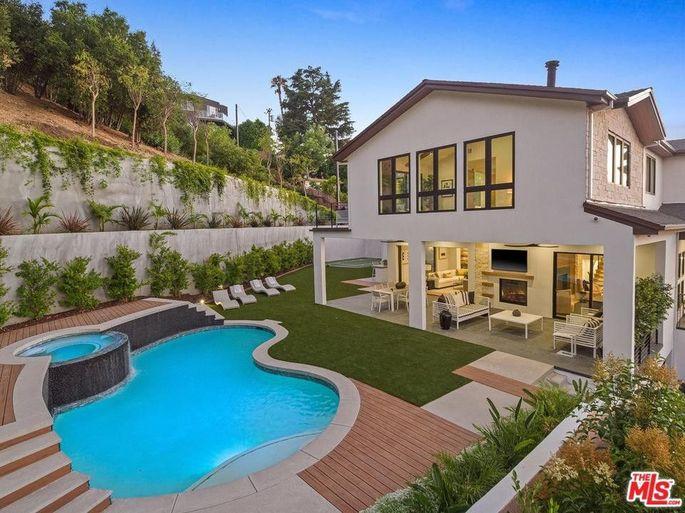 Lilly Singh's new backyard