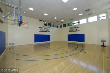 Sunday Sports Page: John Wall's Mansion Has An Indoor Basketball Court