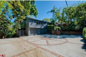 Orlando Bloom Scores Record Sale in Hollywood Hills