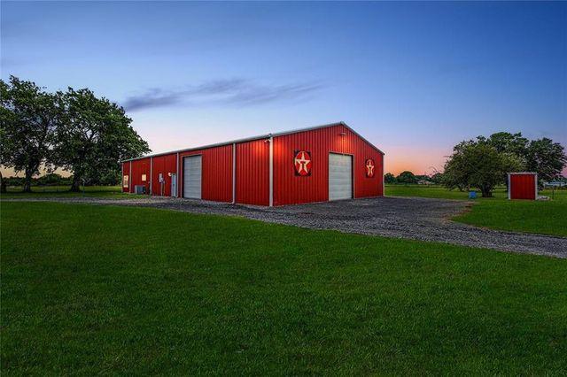 Navasota, TX big red barndominium