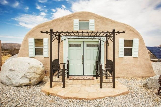 Fantasy Meets Sci Fi In This Minimalist Joshua Tree Tiny Home