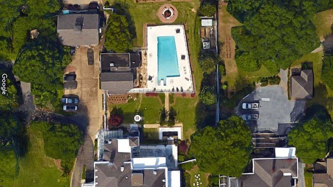 "Alabama-shaped pool: Unlike the state's neighbor Mississippi, there's no ""P"" in ""Alabama"" (we hope)."