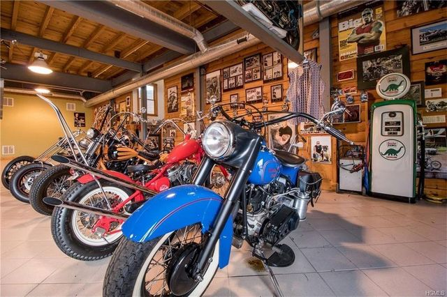 American Chopper garage
