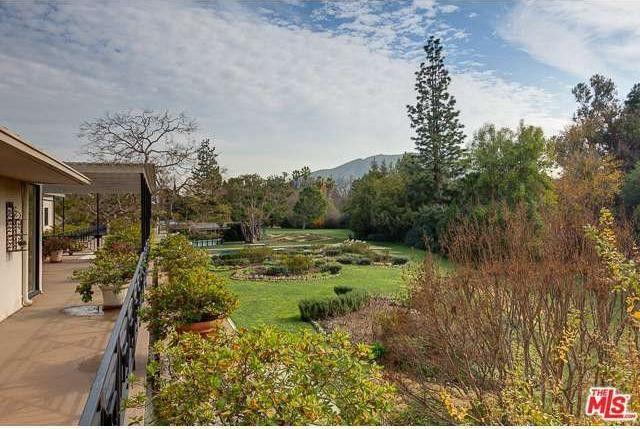 Bob Hope S Legendary Estate In L A Still For Sale For