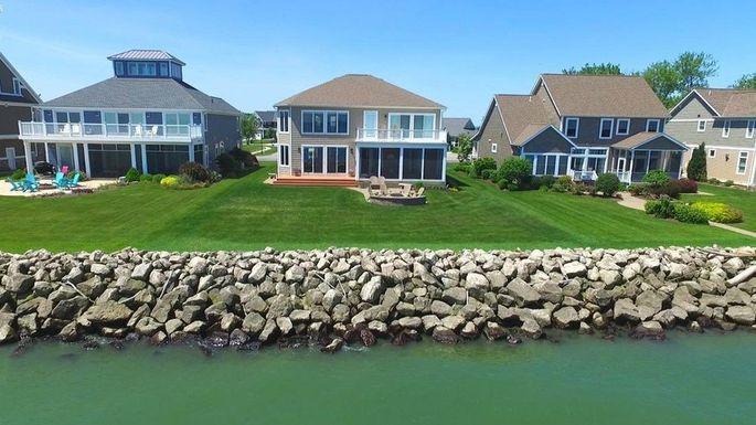 Lake houses near Port Clinton, OH