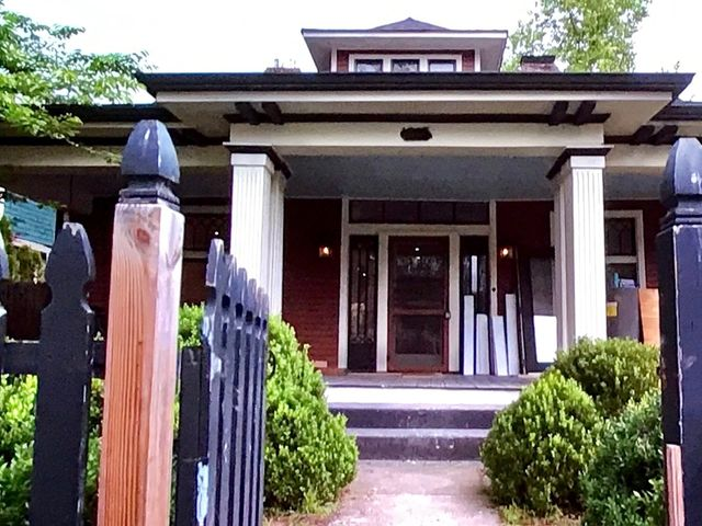 Tom and T.J. can't resist this 100+ year old bungalow in Nashville