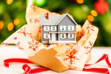 Giving the Gift of Real Estate? Keep an Eye on Tax Rules