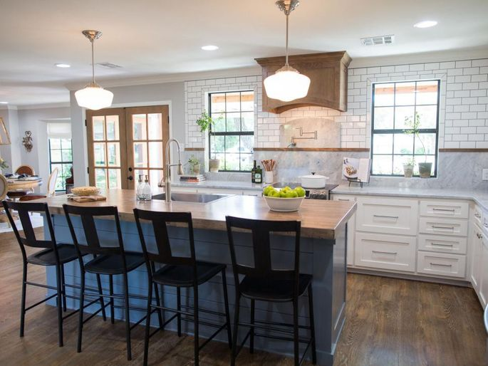 Chip gaines reveals his biggest nightmare on 39 fixer upper for Alley kitchen designs