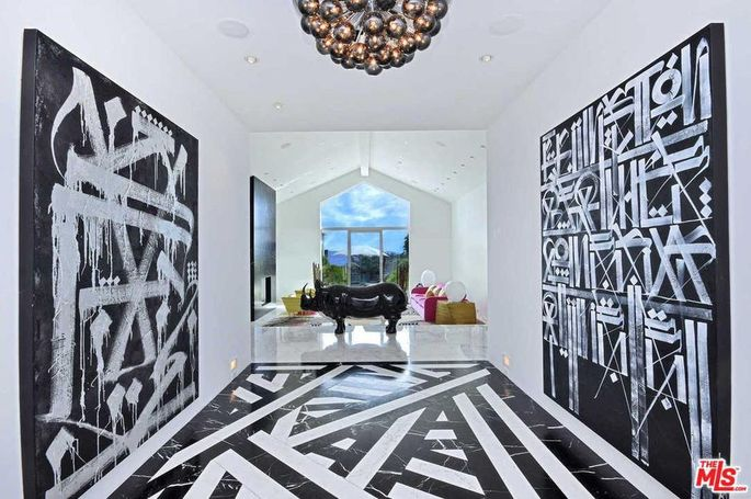 Black-and-white entryway