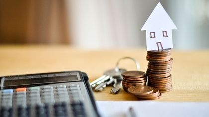 What Is a REIT? Real Estate Investment Trusts, Explained