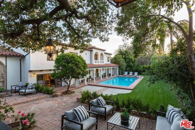 Dan Harmon's new hacienda