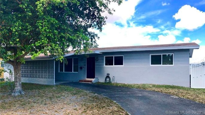Ranch home in Hialeah, FL