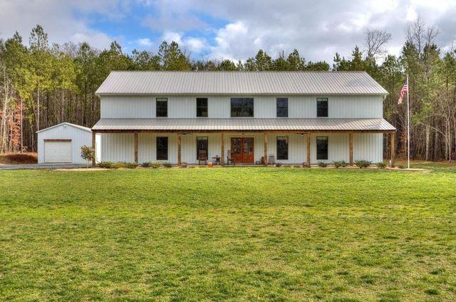 farmshouse Adairsville GA exterior