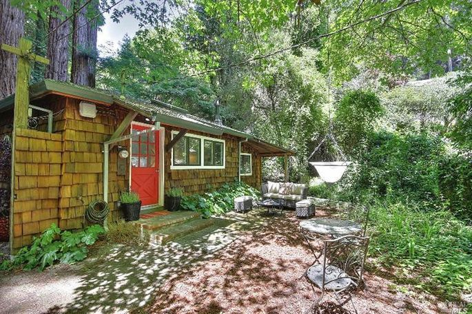 Tiny house eco friendly in mill valley under the redwoods for Homes in mill valley ca