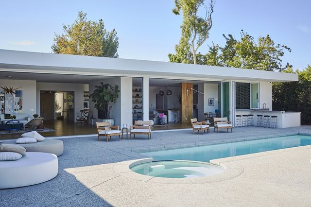 Modern or Contemporary: What\'s the Difference in Home Styles ...