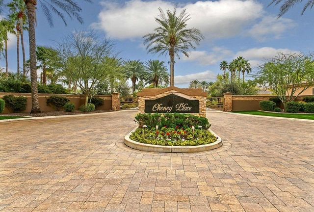 A shot of the gated community the Del Negro home is located in.
