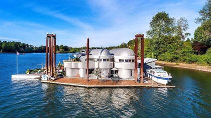Aqua Star! Portland's Iconic Floating Home Makes a Splash