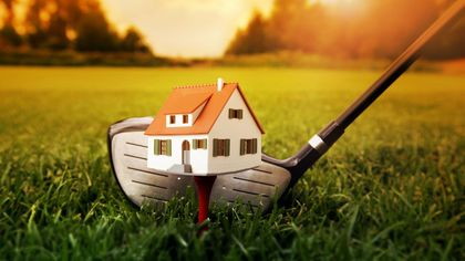 Builders Hit Hole-in-One: Dead Golf Courses Become Sites for New Housing
