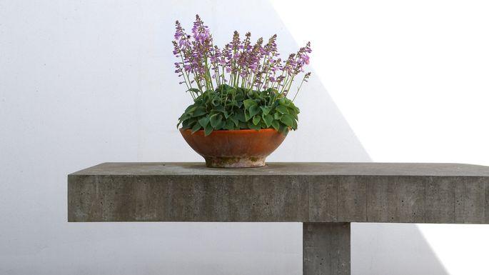 concrete-table