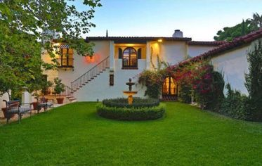 A Wallace Neff Design with a Star-Studded Past Is Up For Sale