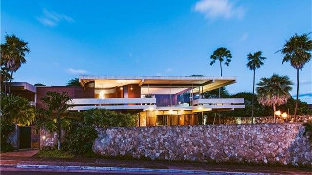 Modern masterpiece on market for first time in honolulu for Hawaii home building packages
