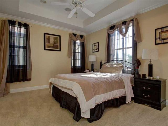 rob-gronkowski-sells-party-mansion-in-tampa-17