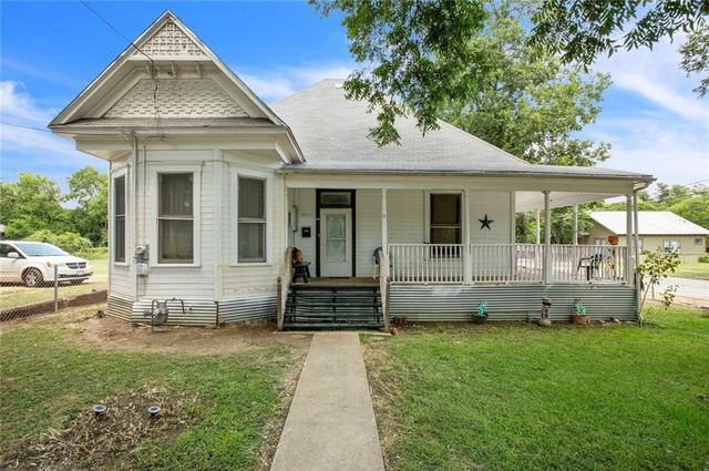 Waco, TX Victorian exterior