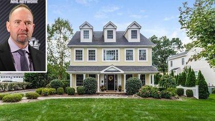 San Jose Sharks Coach Peter DeBoer Selling His Jersey House