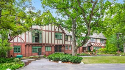 $15.9M Hoover Estate Near Chicago Hopes to Vacuum Up a Buyer