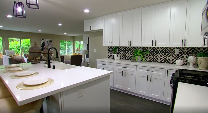This kitchen perfectly reflects Anstead and El Moussa's signature style.