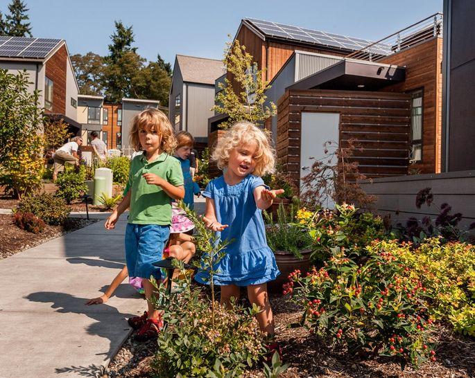 GROW. Kids In The Garden