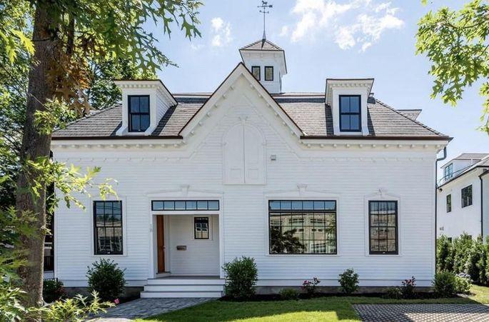 Aron Baynes' home in Newton, MA