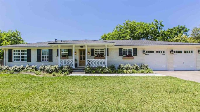 plain gray house from fixer upper season 4 listed for 260k