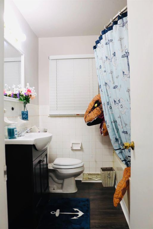 King Rex enjoys his showers.