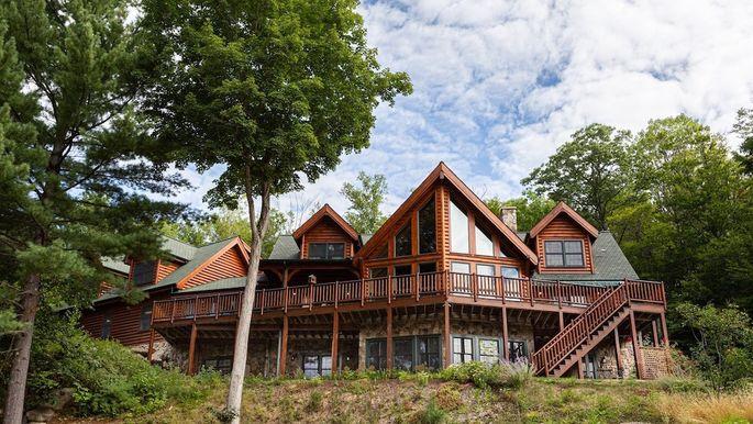 black bear lodge featured