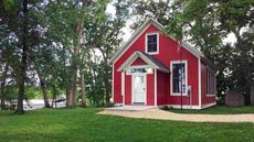 Adorable Converted Schoolhouse in Wisconsin Is Ready for the Honor Roll