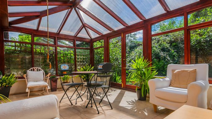 What Is A Sunroom Florida Room Or Solarium Realtor
