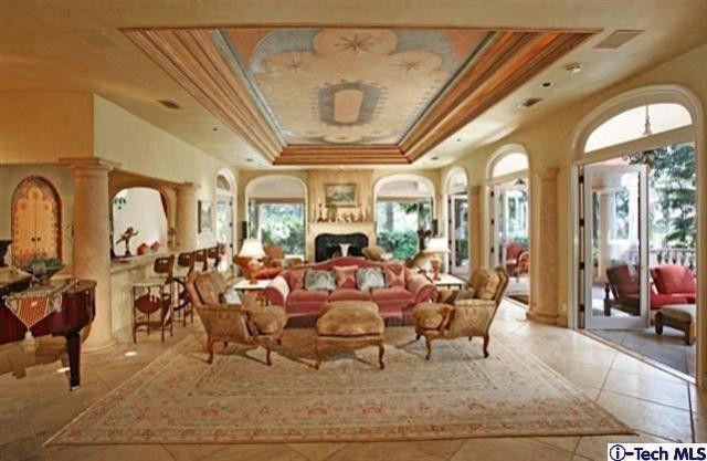 Former La Canada Flintridge Home of Kevin Costner