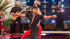 Maksim Chmerkovskiy Ready to Waltz Away From His $2.2M Jersey Home