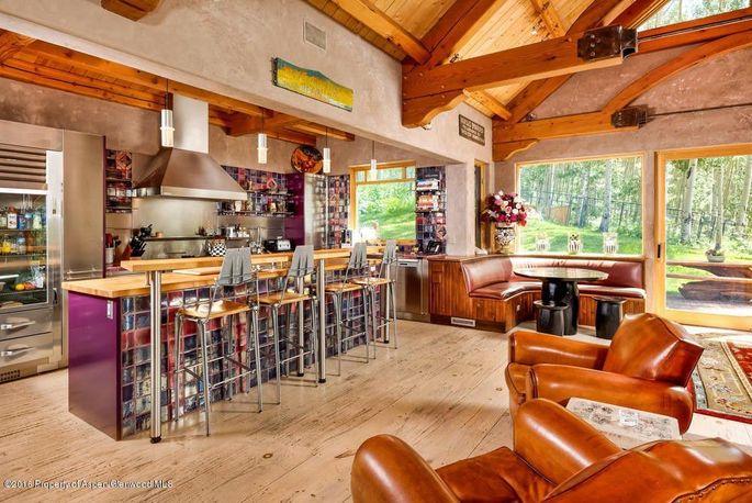 Chef's kitchen with breakfast nook
