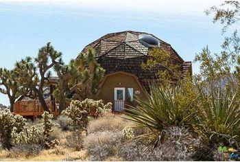 Where the Dome Has No Name: A Geodesic Desert Retreat in Joshua Tree