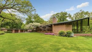 This Frank Lloyd Wright Home Is a Classic That Feels Modern