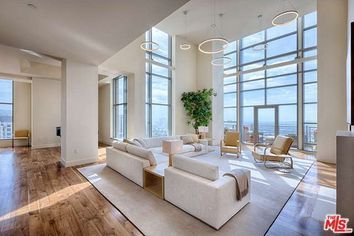 Life at the Top: 2014's Most Luxurious Penthouses
