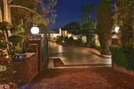 "Live like ""The King"" in Elvis Presley's Former Beverly Hills Home"