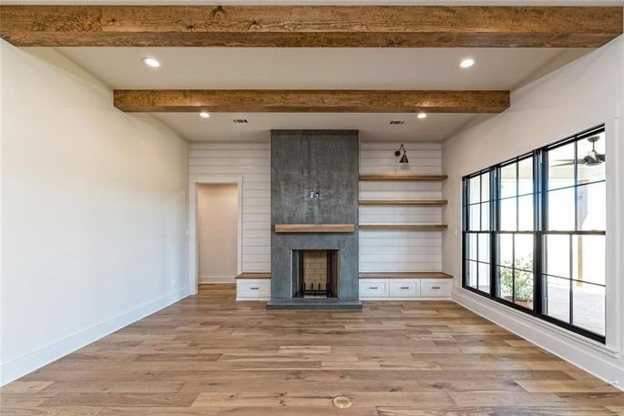 Chip And Joanna Gaines Build A 625k Spec Farmhouse In Texas Realtor Com