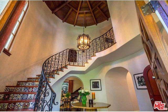 Giada De Laurentiis Buying $6M Estate in Pacific Palisades | realtor on giada's kitchen set, iron chef america set, cutthroat kitchen set, giada's canister set,