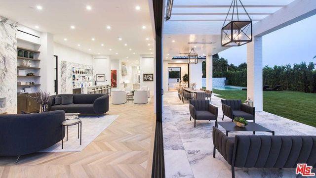 Seamless indoor-outdoor space.