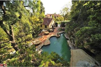 Katy Perry Asks $6.925 Million for Hollywood Mansion
