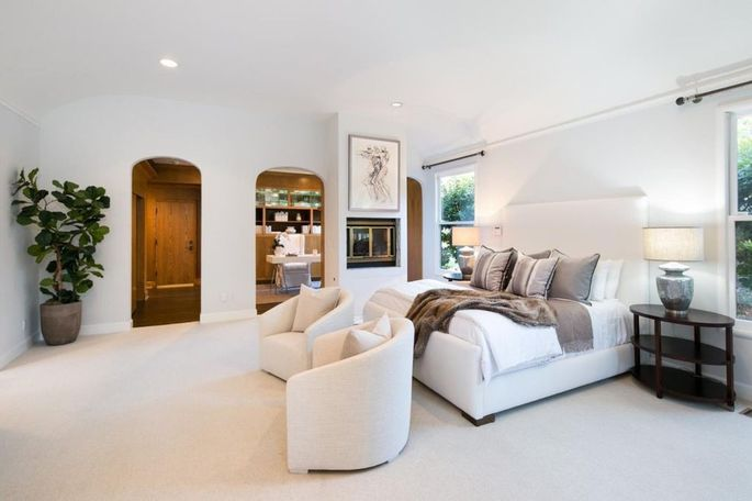Master suite with office